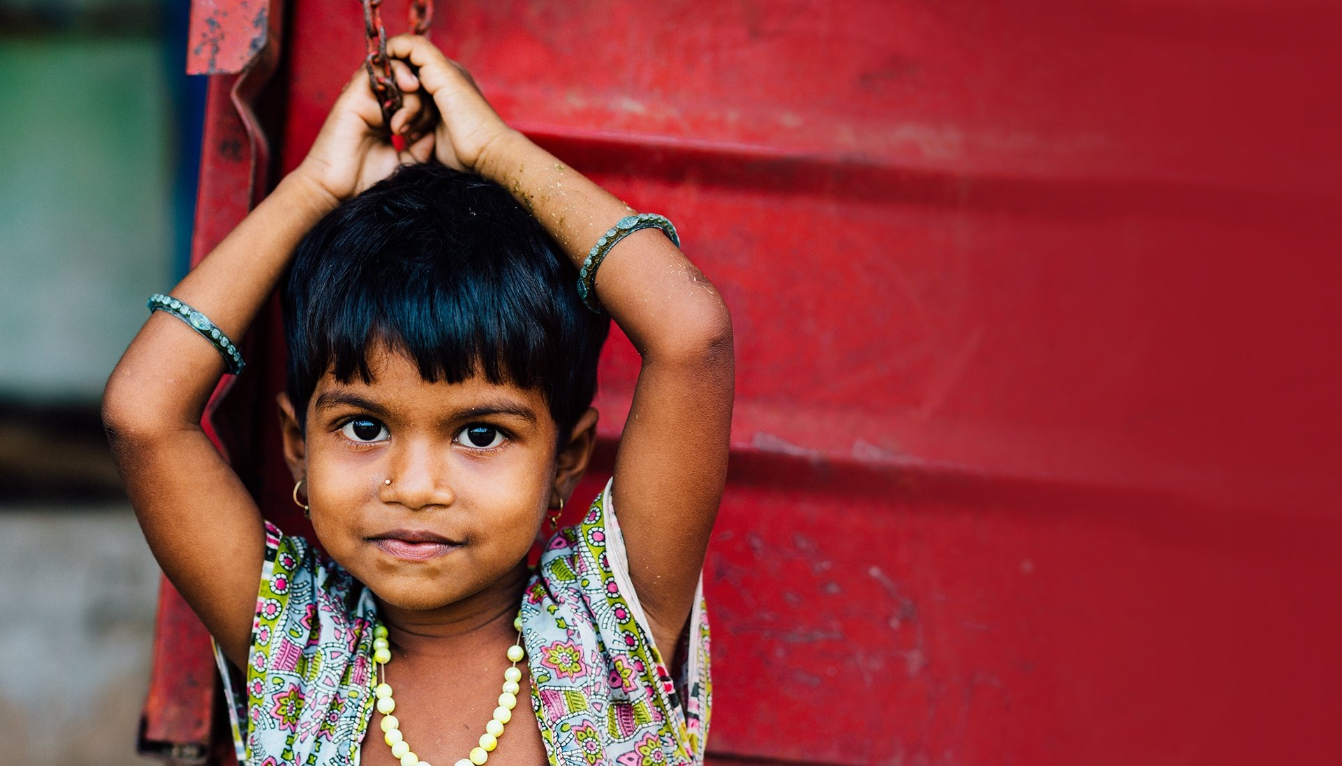 girl with red space 1922.jpg