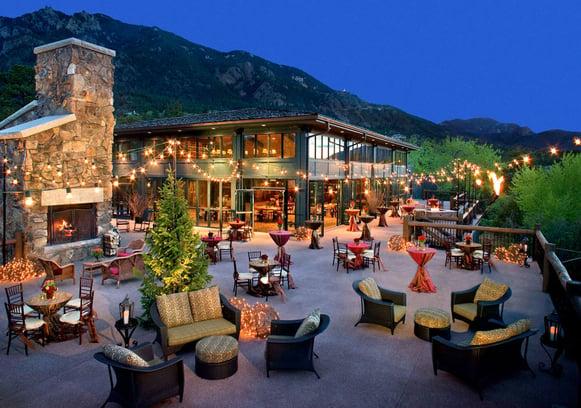 luxury-hotels-colorado-the-broadmoor-cheyenne-lodge-exterior_lg.jpg